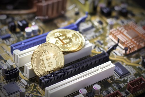 Неважно, падает биткоин или растет. Мы всё равно зарабатываем деньги — vk.cc/771...