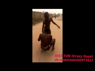 Akra thief caught, savage africa ghana embarrassing член хуй голый naked nude cock penis public