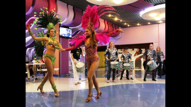 Видео-фрагменты открытия Х Фестиваля бразильского кино в Санкт-петербурге. » Freewka.com - Смотреть онлайн в хорощем качестве