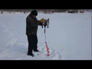 Тестируем мотобур. Завтра на рыбалку! :)))