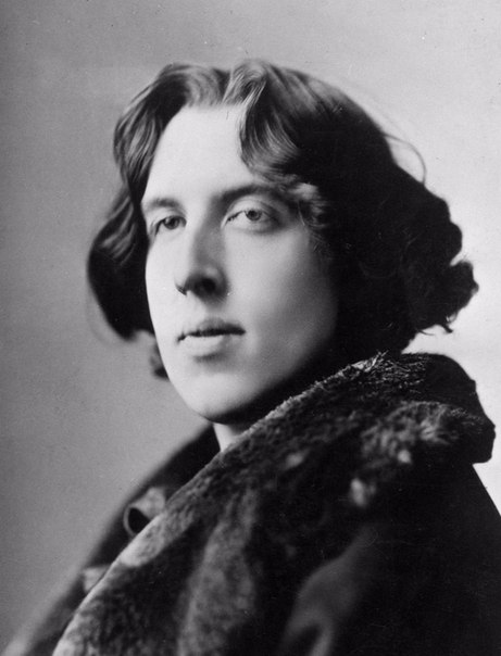 oscar wilde constanly mocks victorian society The victorian era & oscar wilde victorian literature produced during the reign of queen victoria 1837-1901 notable victorian writers life in victorian england.