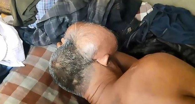 Двухголовый мужчина мечтает о смерти (Фото)