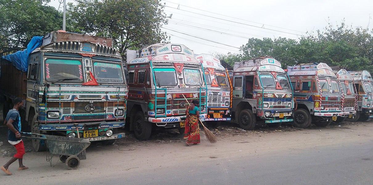 _UY5Vg3SLCs Индийский стартап превращает любой грузовик в беспилотный