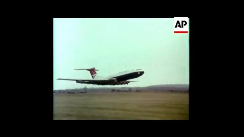 VC10 low pass AIR PAGEANT Silver Jubilee Celebrations