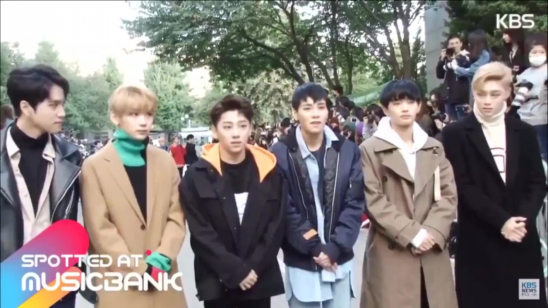 20.10.17 Замечены по пути на Music Bank