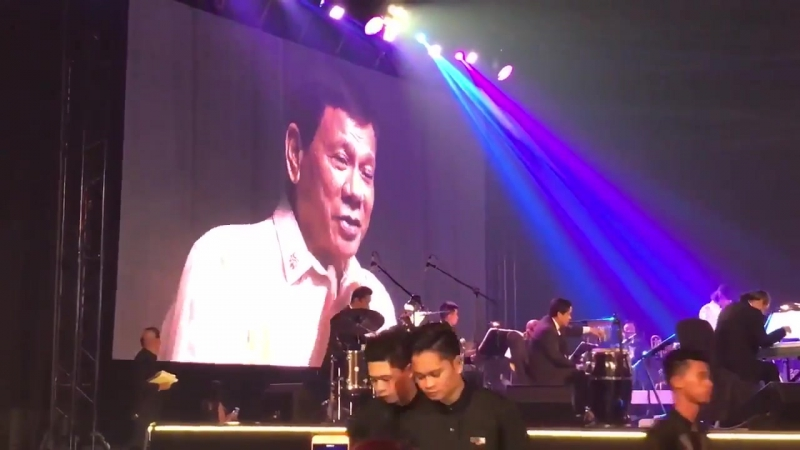 Duterte sings Ikaw to ASEAN guests upon request of Donald Trump