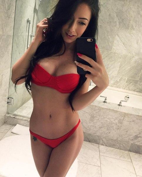 Yuna shiina locked out naked when earthquake