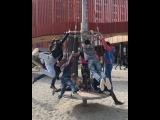 Рита Марсо вместе с дворовой детворой катается на необычной карусели