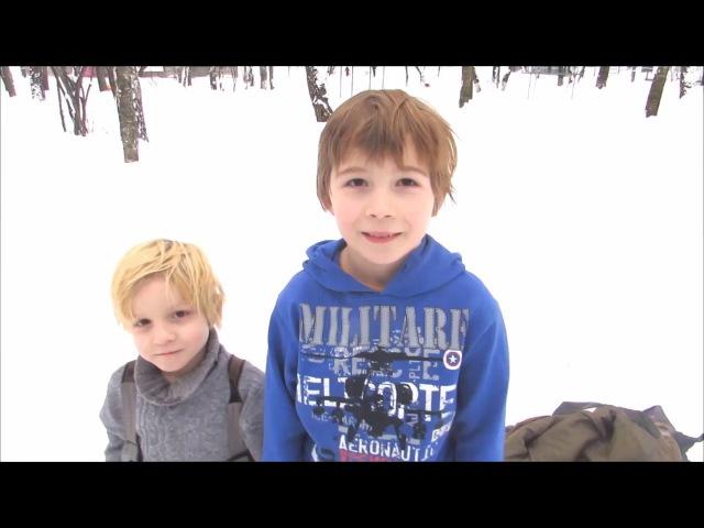 Закаляемся! Обтирание снегом! Дети зимой