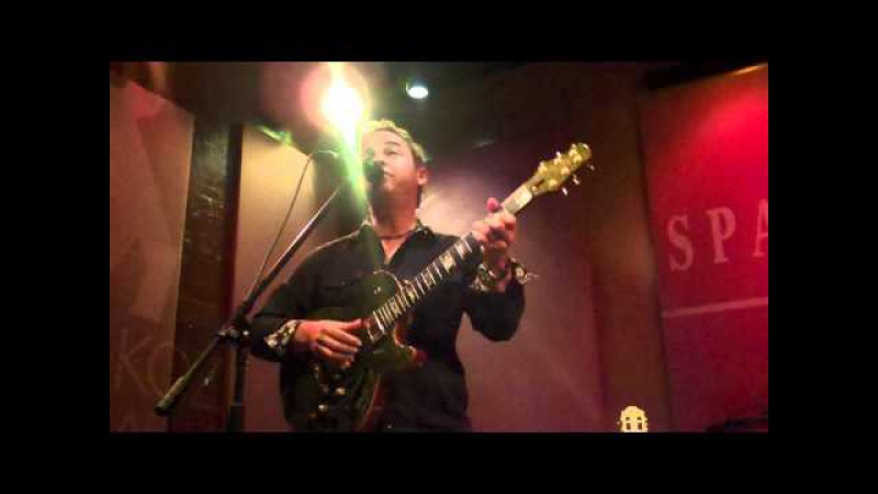 Steve Oliver Performs I Know Live at Spaghettinis