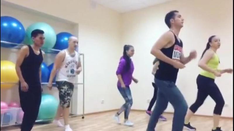 Кубинская школа танцев Muevete Salsaton Казань