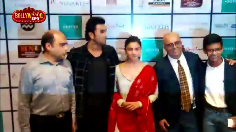 Ranbir Kapoor and Alia Bhatt pose for the cameras at the Organ Donation Awareness event