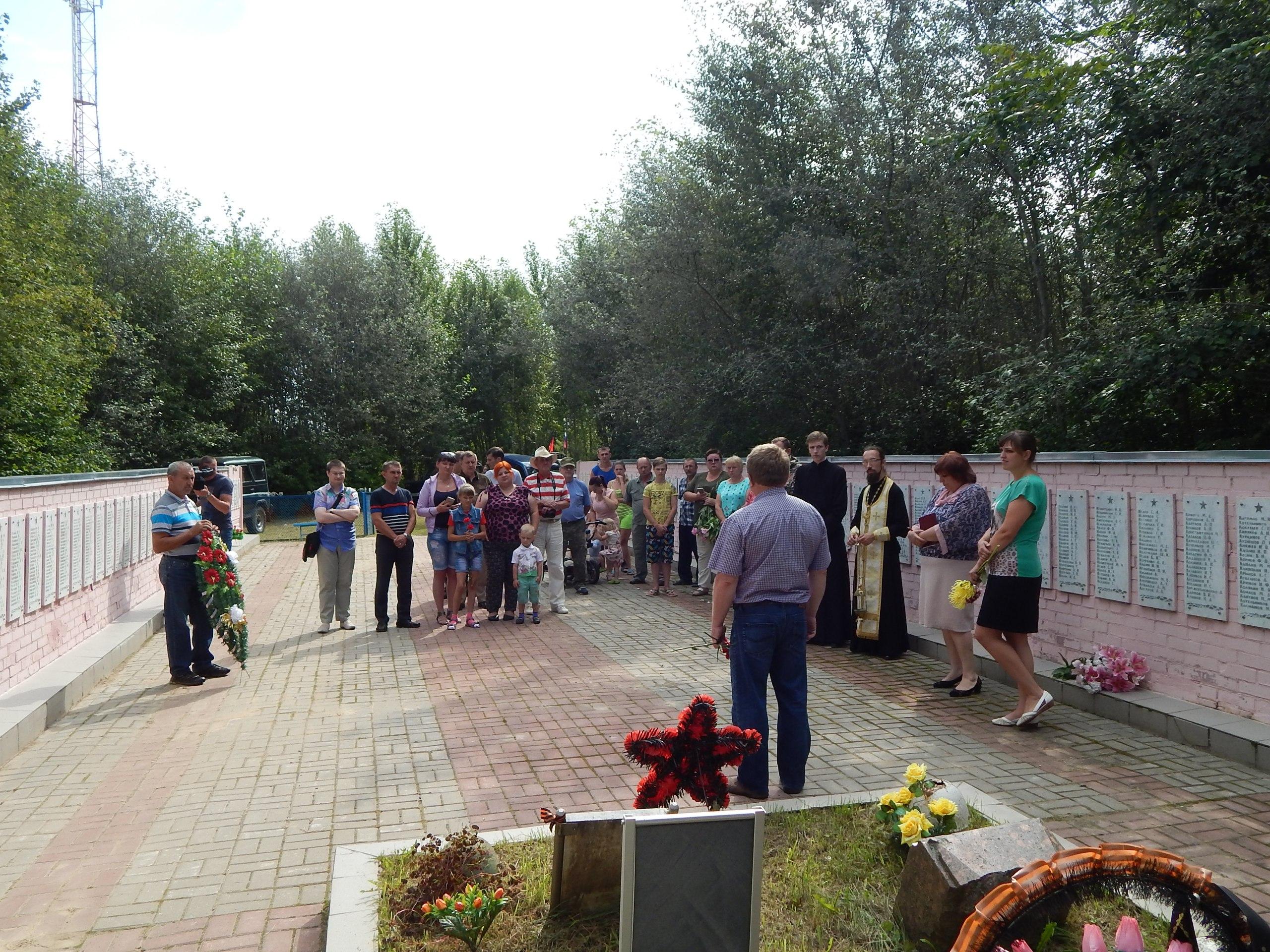 Автопробег по местам воинских захоронений прошел в Козельске и Ульяново