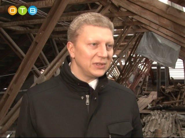 Дом № 14 в посёлке Барвиха уже несколько месяцев живёт без крыши.