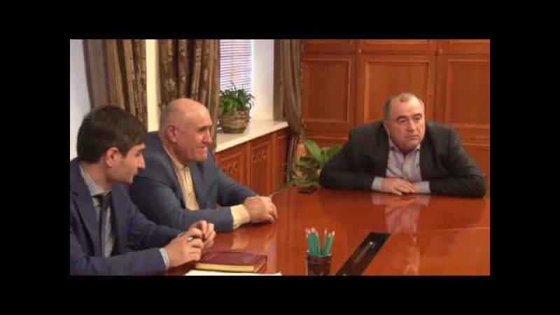 Глава Буйнакского района Камиль Изиев выслушал вопросы и предложения жителей м ...