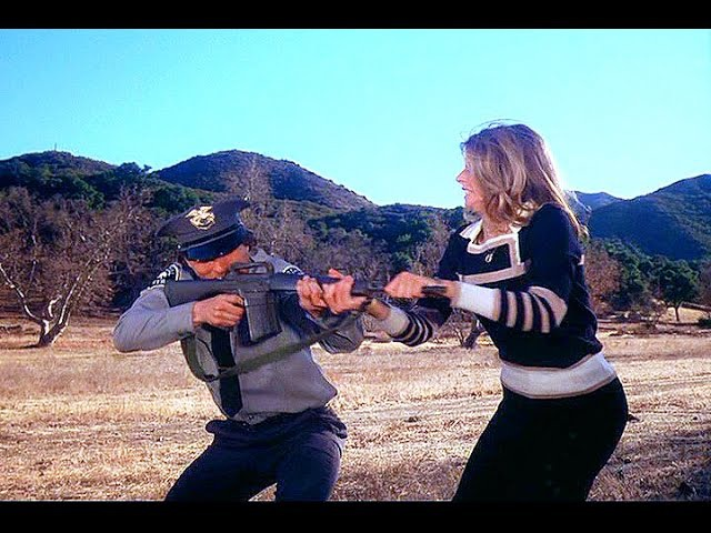 The Bionic Woman - Bionic SuperHeroine Female Fighting / Fights Lindsay Wagner