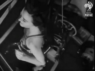 Женщины в тренажерном зале 1940 год