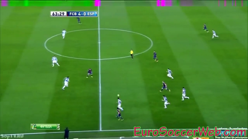 Fabregas great pass and 1-2 with Iniesta