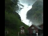 Лотефоссен (Låtefossen), Норвегия