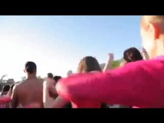 Танцевальный флешмоб на воде. Алые Паруса 2012..mp4