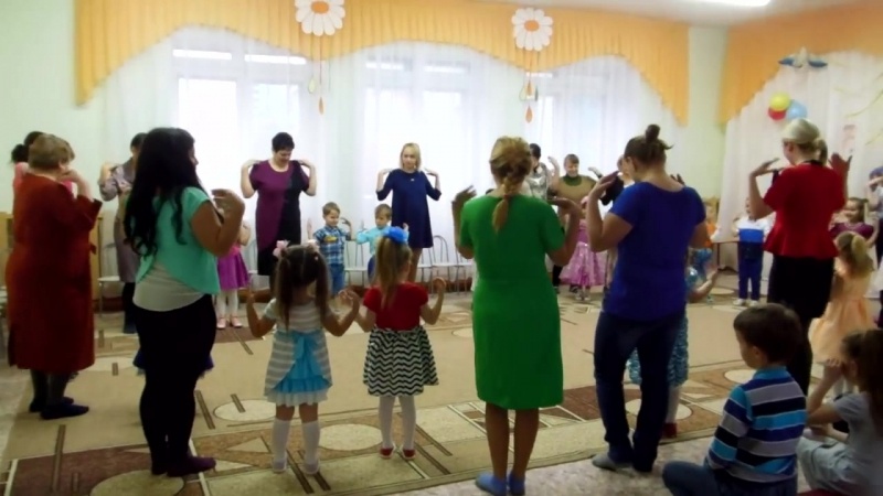 Танец с мамами Тетя ВесеРьчак Средняя группа