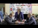 Директор школы тайком агитирует в своем кабинете за Единую Россию