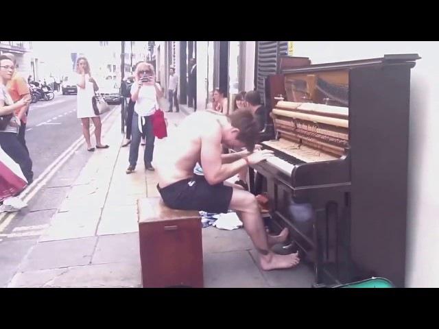Бездомный Пианист ► ТРОНУЛ СВОЕЙ ИГРОЙ ОКРУЖАЮЩИХ