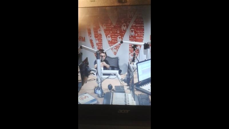 14.07.2017. ДАНИЛ и Раяна в студии МAKC FM. О новой песне ПилигримОнлайн трансляция. (Фрагмент).