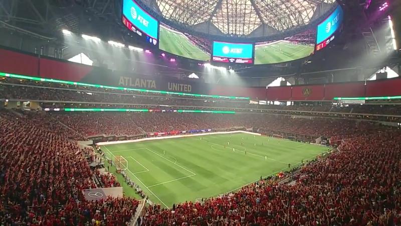Болельщики на матче «Атланта Юнайтед» - «Даллас»