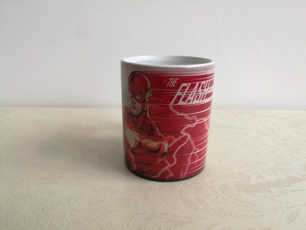 Кружка с The Flash рисунок проявляется при нагревании