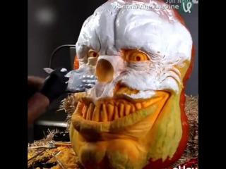 Страшный клоун из тыквы