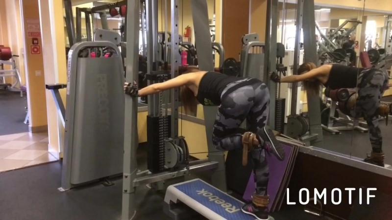 Ещё одно упражнение для укрепления ягодичных мышц!