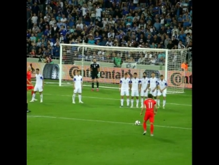 Perfect free-kick by Gareth Bale