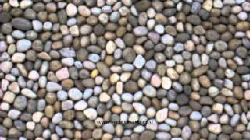 PIETRE e SASSI : pavimento cortile esterno in ciottoli