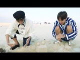 ENG SUB BTS RM invites the crabs to V &amp J-HOPE's sandcastle