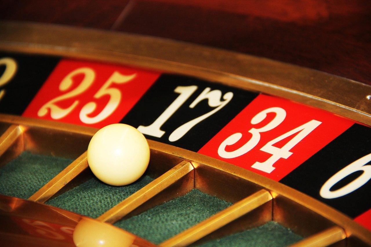 Полицейские закрыли 2 подпольных казино в Северске