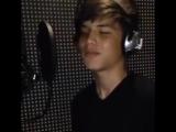 Начинающий певец Маршанов Алим с первой песней