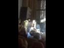 Концерт Винника в Херсоне, дарю цветы)
