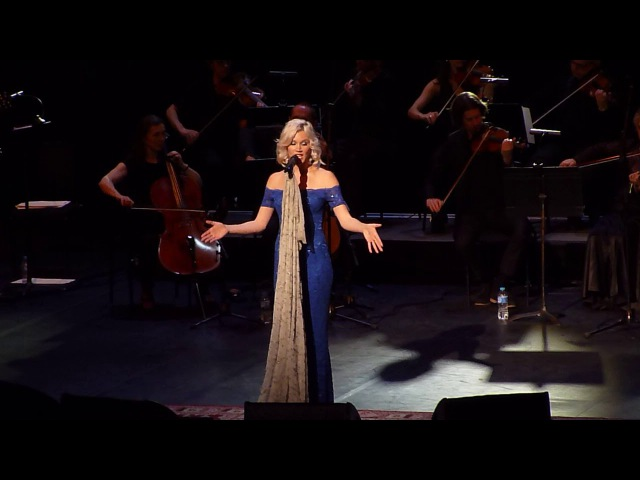 Joss Stone performs Natural Woman at the Royal Festival Hall, London 17th Oct 2017.
