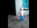 максим танцует на дне рождение у Оли