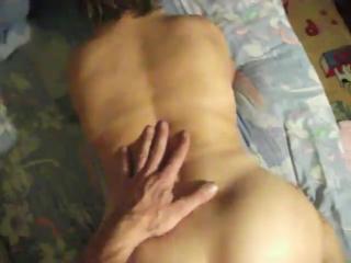 Порно видео в гостях у бабушки