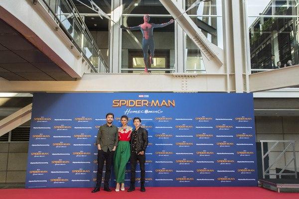 Зендая и Том Холланд на фотоколле «Человек-паук: Возвращение домой» в Барселоне
