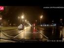 Таксист поехал на красный по встречке в Набережных Челнах