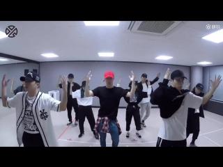 171008 EXO Lay Yixing - Sheep @ Dance Practice