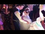 Первый кусок свадебного торта на свадьбе Дианы Шурыгиной продали за 5000 рублей