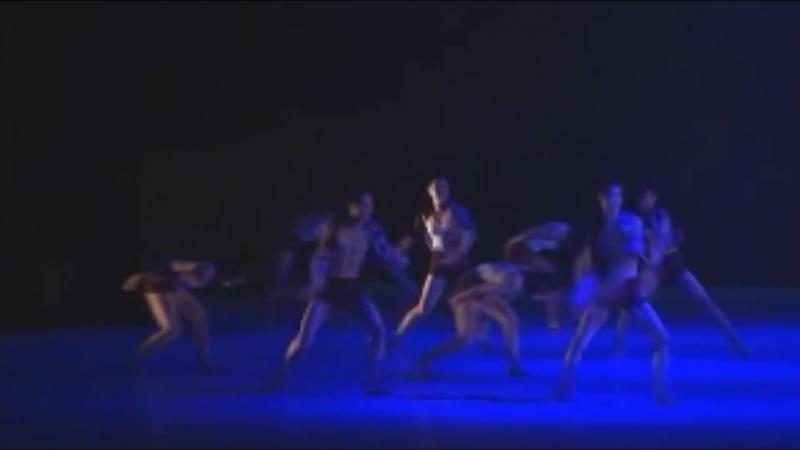 Kang Daniel dansing