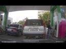 В Башкирии блондинка перепутала на заправке машины