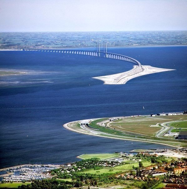 Мост, соединяющий Данию со Швецией. Часть моста находится под водой,
