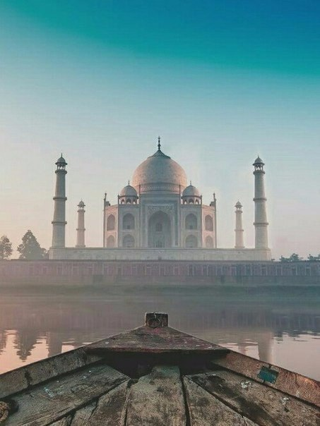 Тадж-Махал - символ вечной любви и верности.