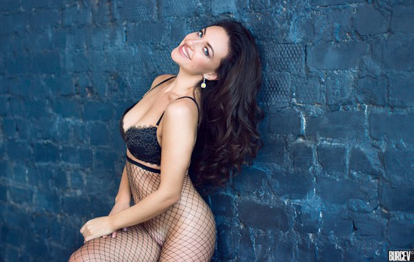 Анна Потапенко также борется за звание Мисс Maxim 2017 г. Самара   Бли